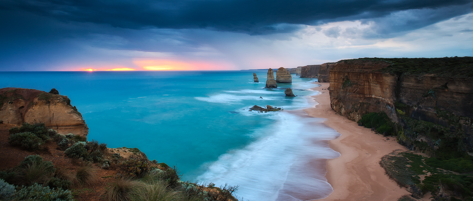 Moody sunset over the 12 apostles, Melbourne, Victoria.